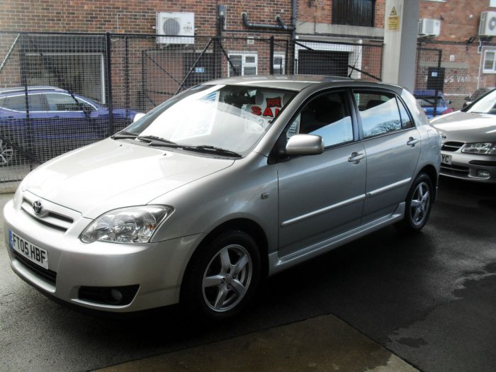Toyota Corolla 1.4 VVT-i Colour Collection 5dr Hatchback Petrol Silver Fern