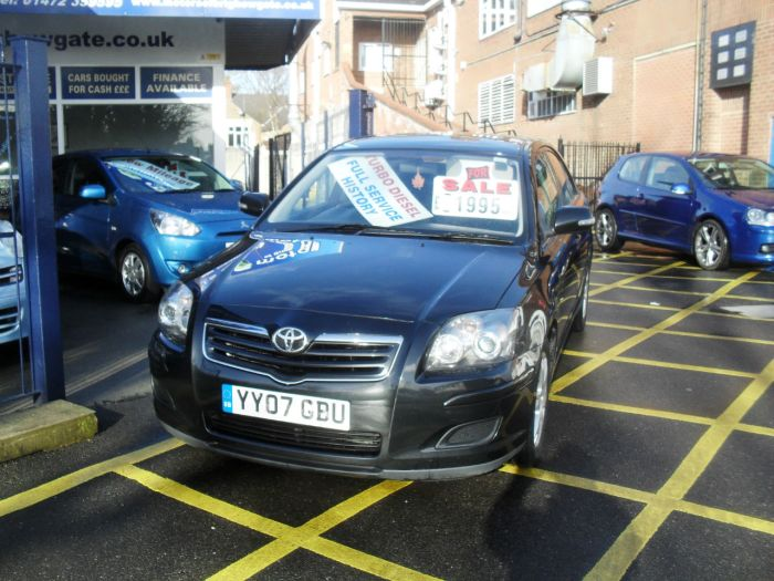 Toyota Avensis 2.0 D-4D Colour Collection 5dr Hatchback Diesel Black Met