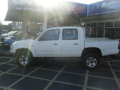 Toyota Hilux 2.5 270 EX Double Cab Pick Up 4WD 102Bhp Pick Up Diesel WhiteToyota Hilux 2.5 270 EX Double Cab Pick Up 4WD 102Bhp Pick Up Diesel White at Motors of Brighowgate Grimsby