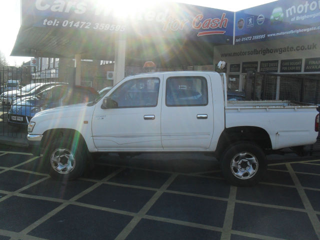 Toyota Hilux 2.5 270 EX Double Cab Pick Up 4WD 102Bhp Pick Up Diesel White