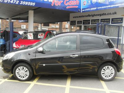 Renault Clio 1.2 TCE I-Music 3dr Hatchback Petrol BlackRenault Clio 1.2 TCE I-Music 3dr Hatchback Petrol Black at Motors of Brighowgate Grimsby