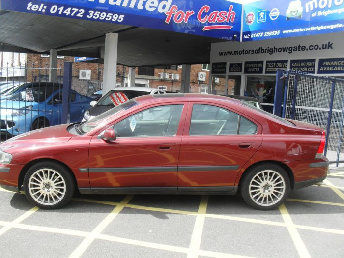 Volvo S60 2.0 T  4dr Auto Saloon Petrol Red Met