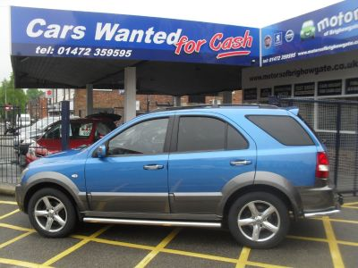 Kia Sorento 2.5 CRDi XT 5dr Auto Hatchback Diesel BlueKia Sorento 2.5 CRDi XT 5dr Auto Hatchback Diesel Blue at Motors of Brighowgate Grimsby