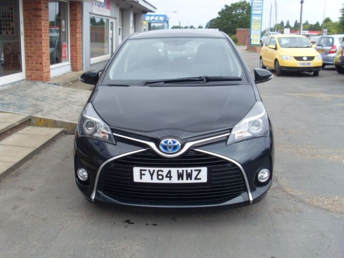 Toyota Yaris 1.5 Hybrid Icon 5dr CVT Hatchback Petrol / Electric Hybrid Black