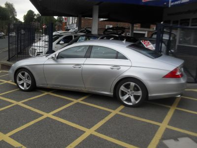 Mercedes-Benz CLS 3.0 CLS 320 CDI 4dr Tip Auto Coupe Diesel SilverMercedes-Benz CLS 3.0 CLS 320 CDI 4dr Tip Auto Coupe Diesel Silver at Motors of Brighowgate Grimsby