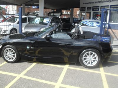 BMW Z4 2.0i SE 2dr Convertible Petrol BlackBMW Z4 2.0i SE 2dr Convertible Petrol Black at Motors of Brighowgate Grimsby