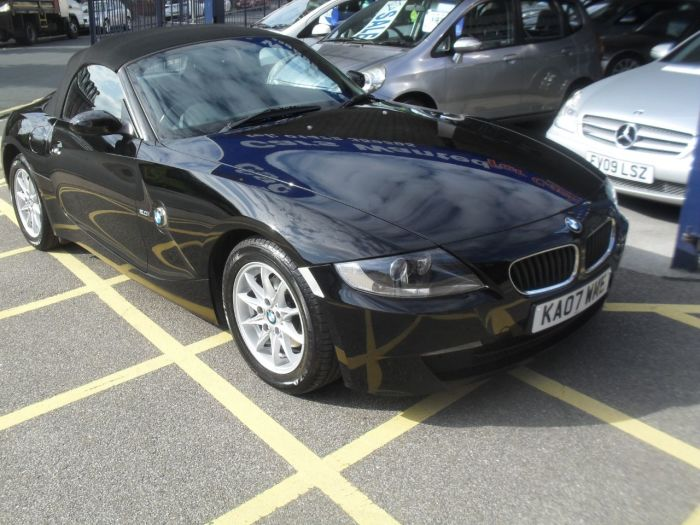 BMW Z4 2.0i SE 2dr Convertible Petrol Black