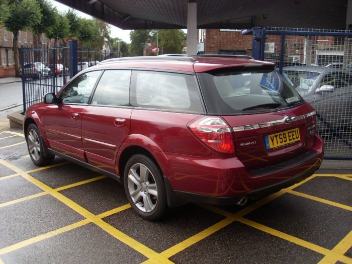 Subaru Outback 2.0D RE Outback 5dr Estate Diesel Merlot Red Pearl