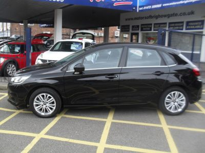 Citroen C4 1.2 PureTech Feel 5dr Hatchback Petrol BlackCitroen C4 1.2 PureTech Feel 5dr Hatchback Petrol Black at Motors of Brighowgate Grimsby