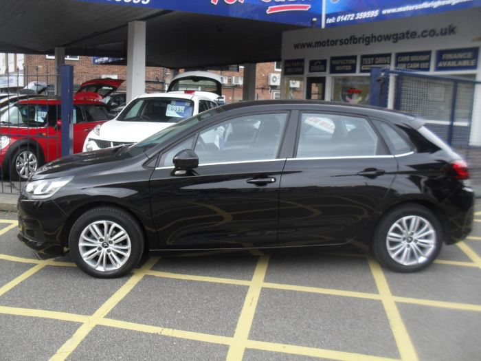Citroen C4 1.2 PureTech Feel 5dr Hatchback Petrol Black