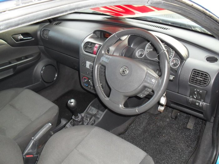 Vauxhall Tigra 1.4i 16V 2dr Coupe Petrol Blue Met