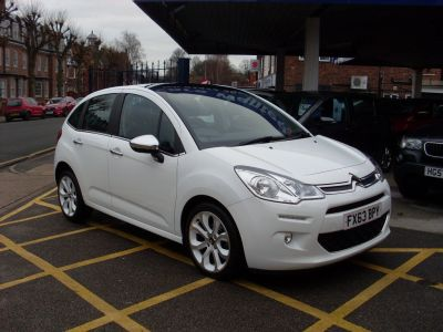 Citroen C3 1.6 e-HDi Airdream Selection 5dr Hatchback Diesel WhiteCitroen C3 1.6 e-HDi Airdream Selection 5dr Hatchback Diesel White at Motors of Brighowgate Grimsby