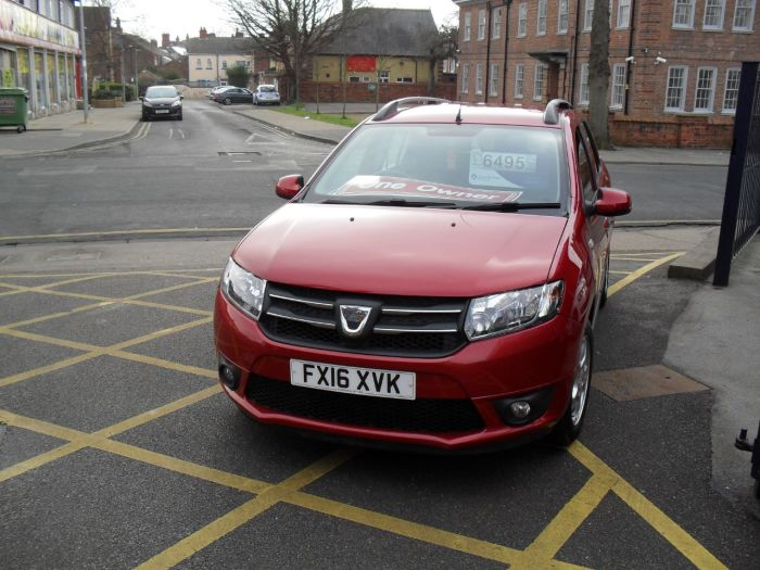 Dacia Logan 1.5 dCi Laureate 5dr Estate Diesel Red Mettalic