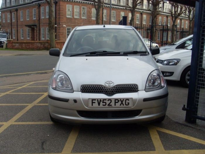 Toyota Yaris 1.0 VVTi Colour Collection 3dr Hatchback Petrol Silver