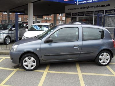 Renault Clio 1.2 Campus Hatchback Petrol Blue/grey MetRenault Clio 1.2 Campus Hatchback Petrol Blue/grey Met at Motors of Brighowgate Grimsby