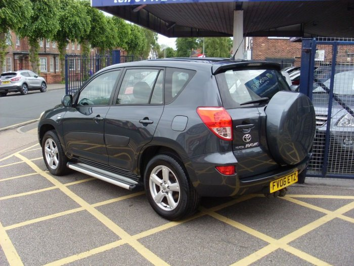Toyota Rav-4 2.2 D-4D XT4 5dr Estate Diesel Grey Metallic