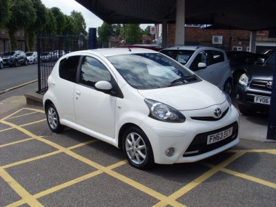 Toyota Aygo 1.0 VVT-i Mode 5dr [AC] Hatchback Petrol WhiteToyota Aygo 1.0 VVT-i Mode 5dr [AC] Hatchback Petrol White at Motors of Brighowgate Grimsby