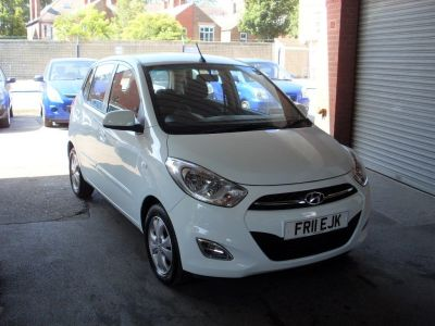 Hyundai i10 1.2 Active 5dr Auto Hatchback Petrol WhiteHyundai i10 1.2 Active 5dr Auto Hatchback Petrol White at Motors of Brighowgate Grimsby