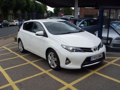 Toyota Auris 1.6 Excel 5dr Hatchback Petrol WhiteToyota Auris 1.6 Excel 5dr Hatchback Petrol White at Motors of Brighowgate Grimsby