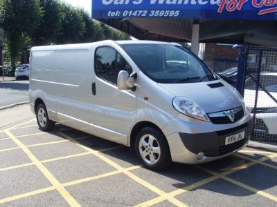 Vauxhall Vivaro 2.0CDTI [115PS] Sportive Van 2.9t Euro 5 Panel Van Diesel SilverVauxhall Vivaro 2.0CDTI [115PS] Sportive Van 2.9t Euro 5 Panel Van Diesel Silver at Motors of Brighowgate Grimsby