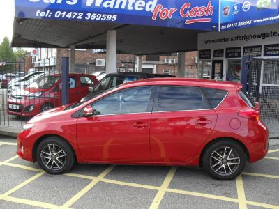 Toyota Auris 1.6 V-Matic Icon+ 5dr Hatchback Petrol RedToyota Auris 1.6 V-Matic Icon+ 5dr Hatchback Petrol Red at Motors of Brighowgate Grimsby