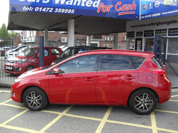 Toyota Auris 1.6 V-Matic Icon+ 5dr Hatchback Petrol Red